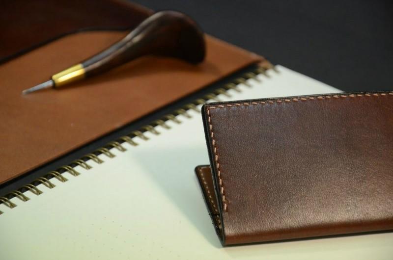 Zápisník a obal na vizitky/karty